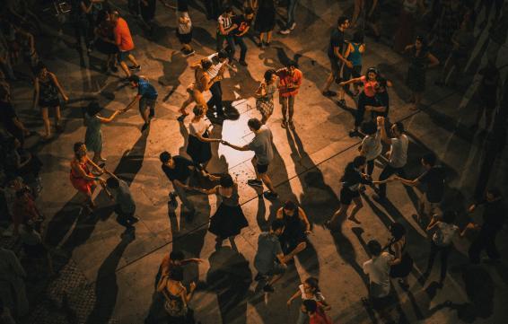 DANZA PARTICIPATIVA - L'H Baila Salsa y Bachata